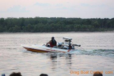 ohba-hot-boat-2011-11